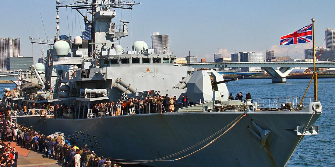 英海軍「モントローズ」、海自「むらさめ」やP-1と共同訓練 米P-8も参加